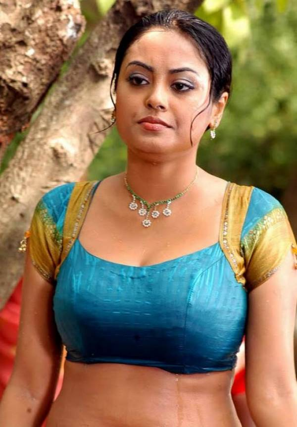 Desi-mallu-aunty-blouse-boobs 40